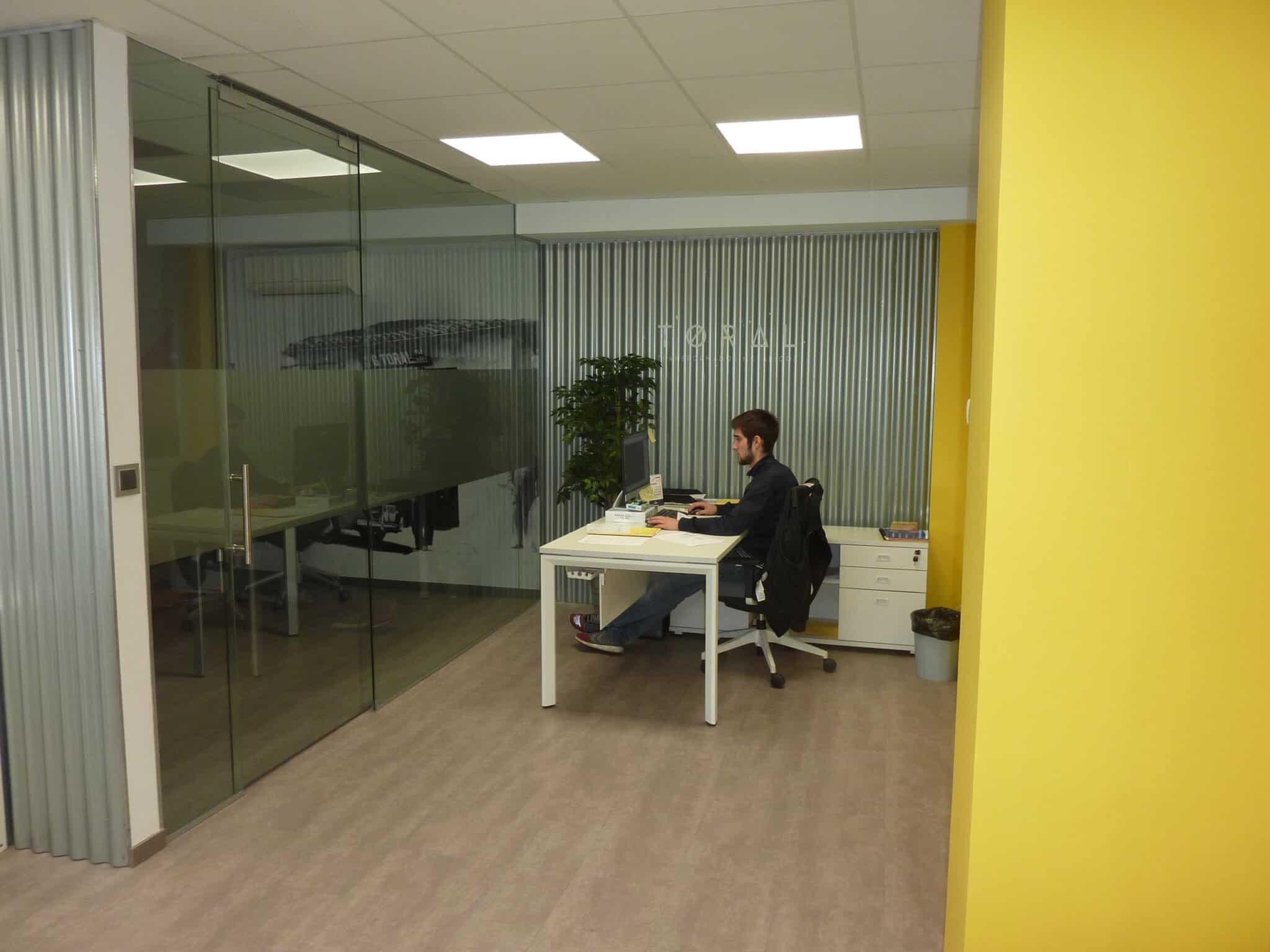 Proyecto oficinas Toral puesto operativo | Muebles de oficina Spacio
