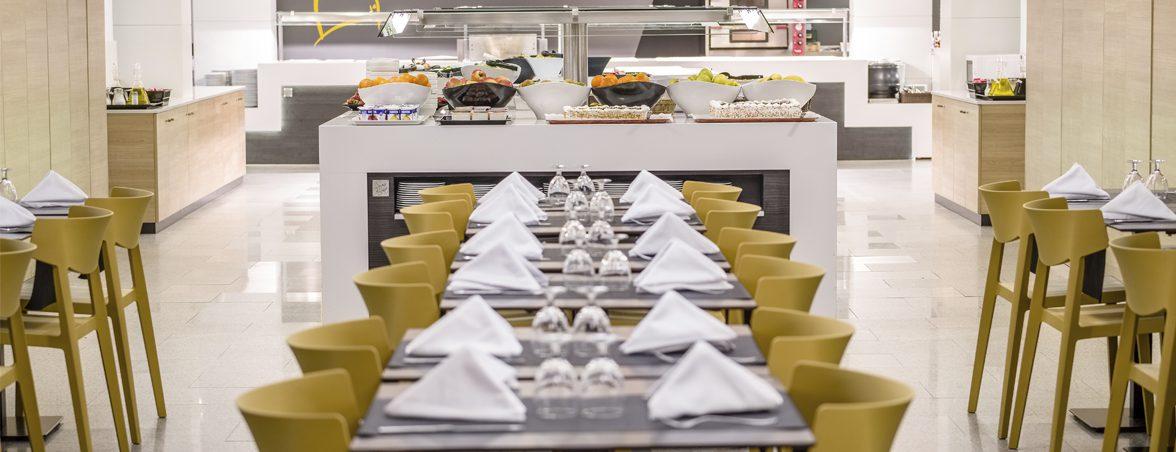 Restaurante hotel California portada | Muebles de oficina Spacio