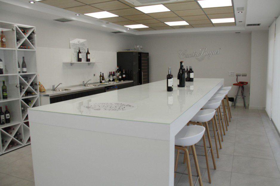 Sala de catas Cuatro Rayas listado | Muebles de oficina Spacio