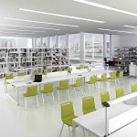Estanterías de madera Class en biblioteca | Muebles de oficina Spacio