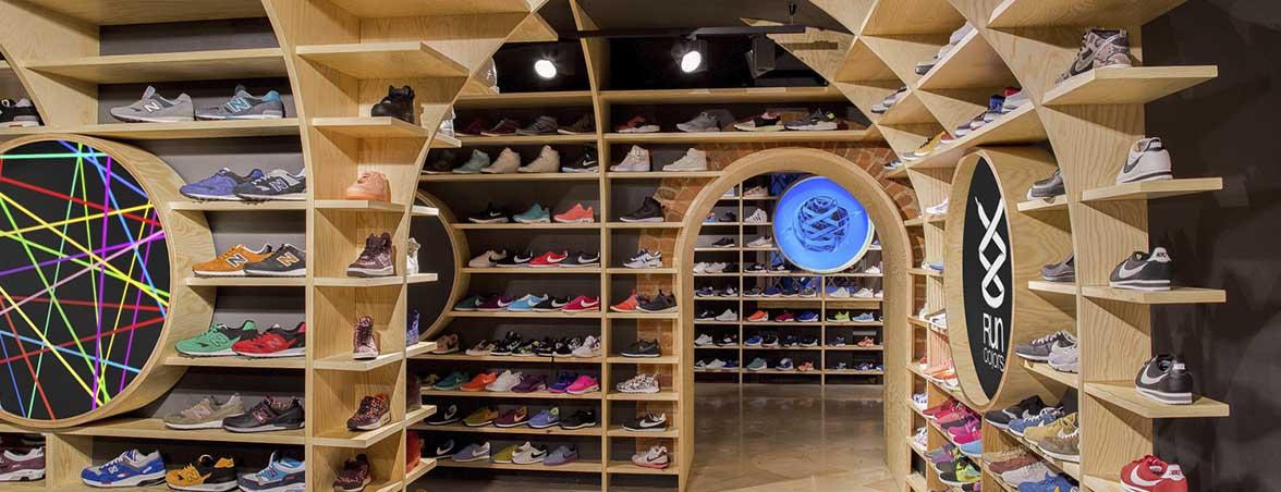 Estanterías para tiendas de madera | Muebles de oficina Spacio