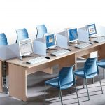 Mesa call center Optima con sillas Spacio | Muebles de oficina Spacio