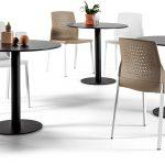 Mesa de reuniones Tabula Plate con silla Uka | Muebles de oficina Spacio