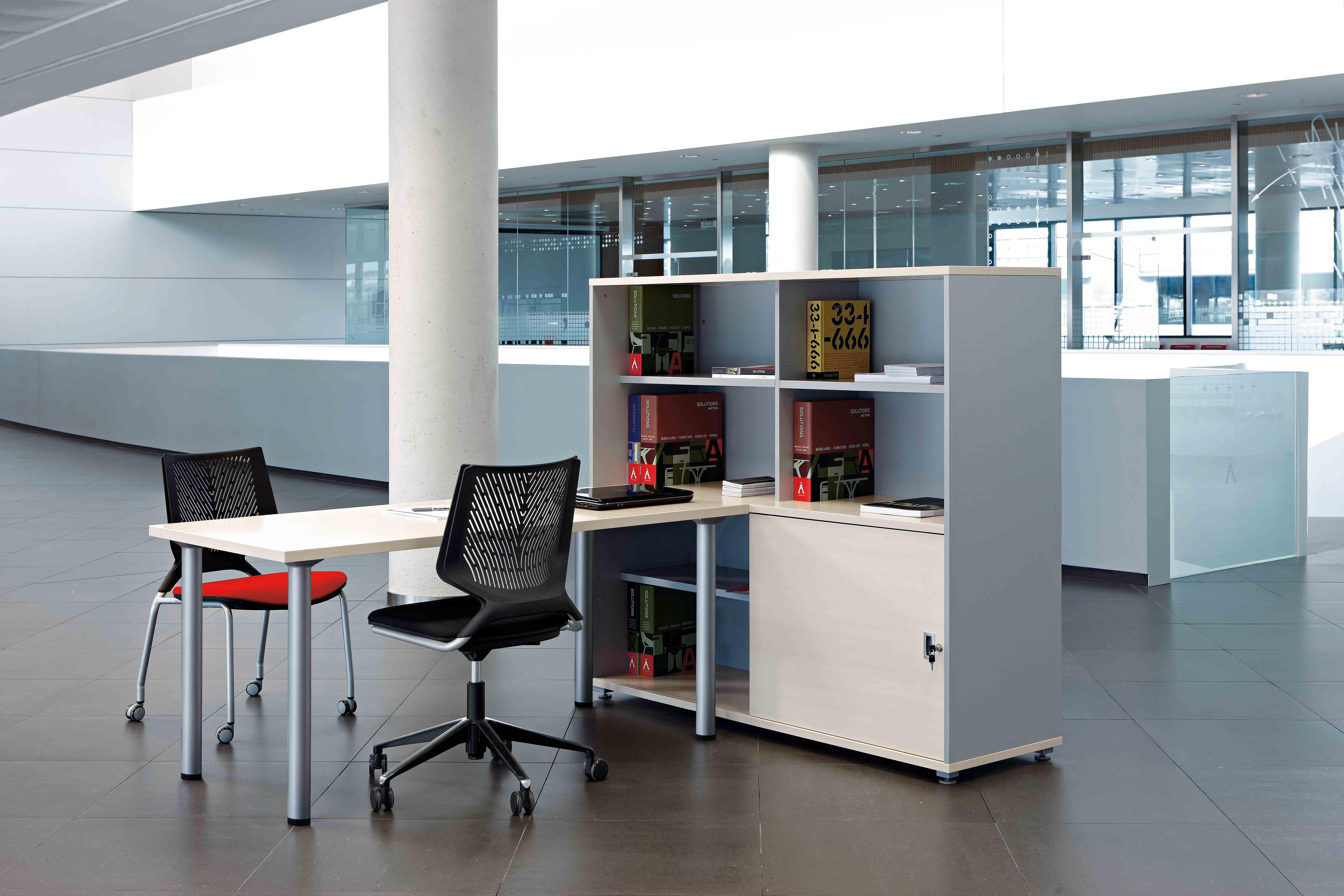 Mesa despacho cool c300 c500 muebles de oficina spacio for Muebles para despacho