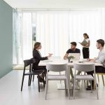 Mesa elevable Power sala reuniones | Muebles de oficina Spacio