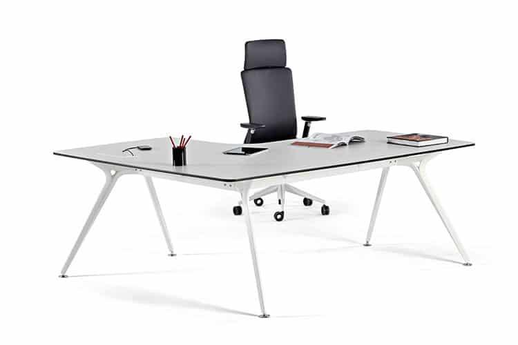 Mesa escritorio Arkitek listado | Muebles de oficina Spacio