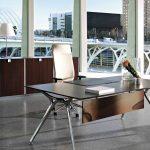 Mesa escritorio Arkitek faldón madera | Muebles de oficina Spacio