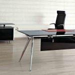 Mesa escritorio Arkitek faldón negro | Muebles de oficina Spacio