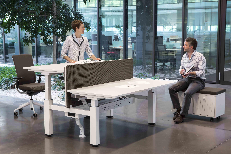 Mesa regulable mobility regulaci n en altura muebles - Mesas de arquitectura ...