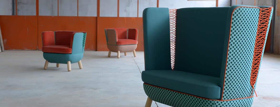 Sofá oficina SLY ambientado | Muebles de oficina Spacio