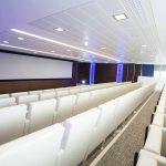 Butaca auditorio Audit tapizado blanco | Muebles de oficina Spacio