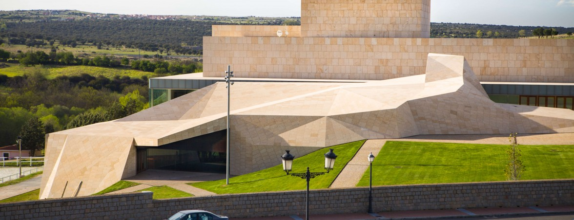 Equipamiento integral auditorio Lienzo Norte portada | Muebles de oficina Spacio