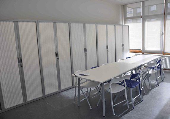Equipamiento integral Casa Cuna armarios y stores | Muebles de oficina Spacio