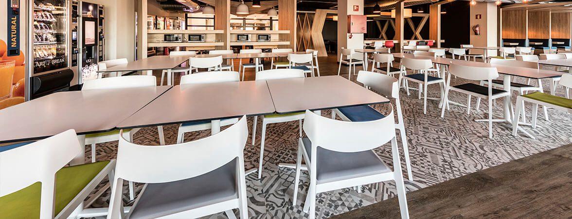 Equipamiento integral Renault comedor | Muebles de oficina Spacio