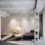 Lámpara sobremesa Scantling pie blanca | Muebles de oficina Spacio