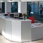Mostrador Ofimat panelado gris | Muebles de oficina Spacio