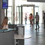Mostradores recepción Informa en aeropuerto | Muebles de oficina Spacio