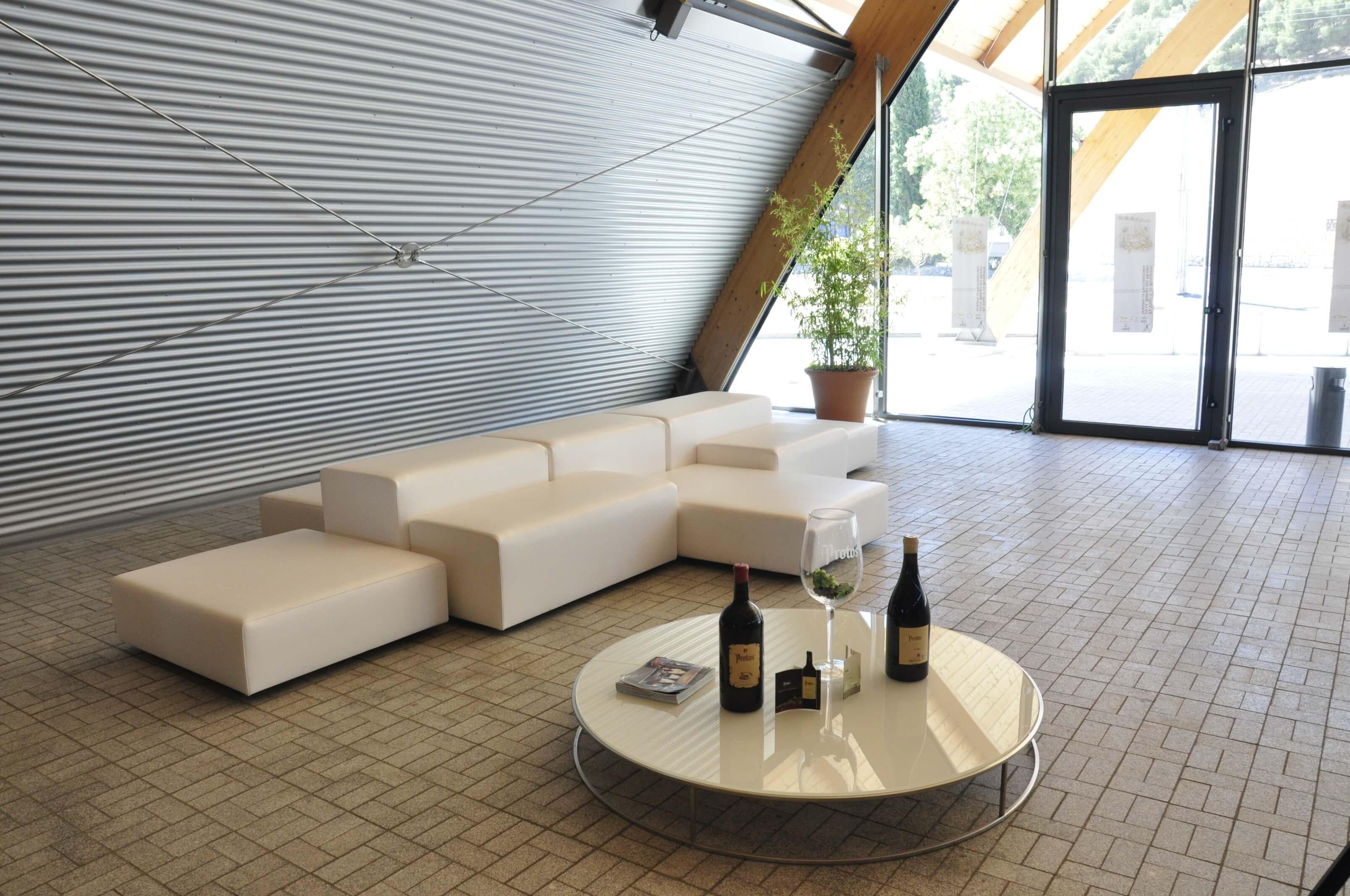 Sala merchandising bodega Protos entrada | Muebles de oficina Spacio