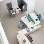 Mesa colaborativa Twist tres puestos con ala | Muebles de oficina Spacio