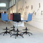 Taburetes de trabajo Mit banquetas colores | Muebles de oficina Spacio