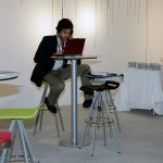 Taburetes de trabajo Mit en sala | Muebles de oficina Spacio