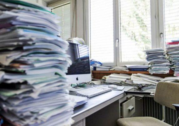 Imagen de una oficina desordenado | Muebles de oficina Spacio