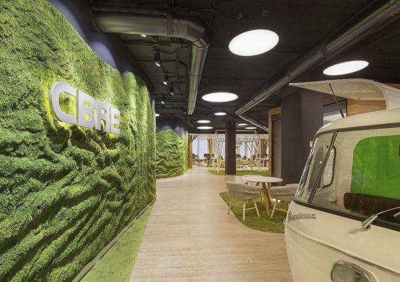 La oficina más saludable pared musgo | Muebles de oficina Spacio