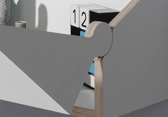 Mesa y estantería TwoFold detalle | Muebles de oficina Spacio