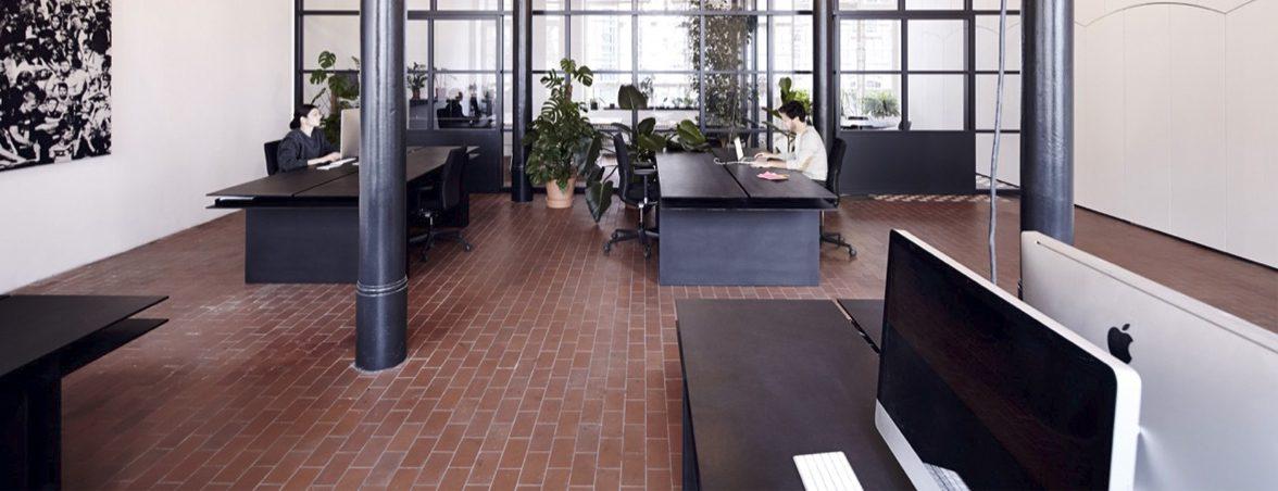 Mesas de oficina operativas negra | Muebles de oficina Spacio