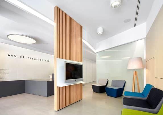 Mobiliario clínica dental espera | Muebles de oficina Spacio