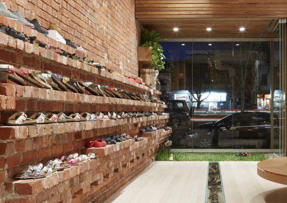 Mobiliario zapatería estantería ladrillo | Muebles de oficina Spacio