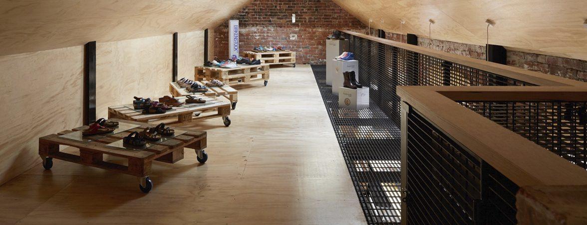 Mobiliario zapatería palets estanterías | Muebles de oficina Spacio