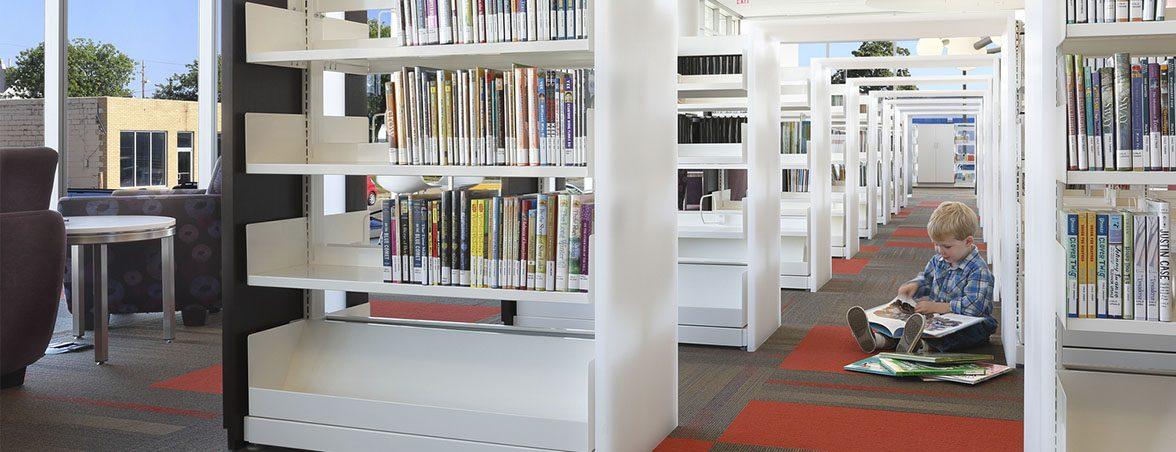 Muebles biblioteca Cedar Rapids | Muebles de oficina Spacio