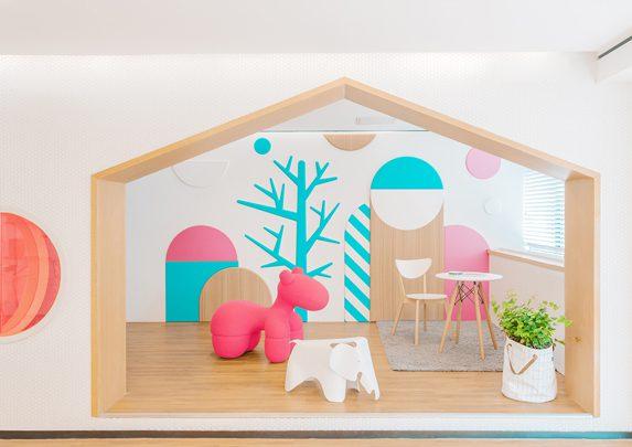Muebles clínica dental sala niños | Muebles de oficina Spacio
