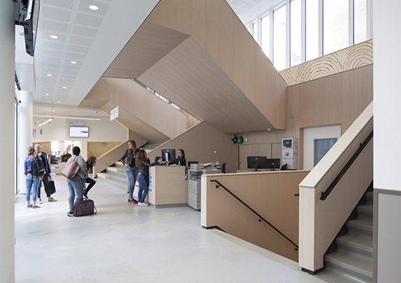 Muebles para aulas recepción | Muebles de oficina Spacio