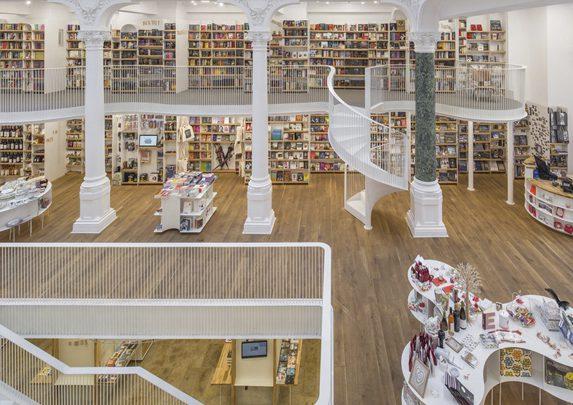 Muebles para biblioteca entreplanta | Muebles de oficina Spacio