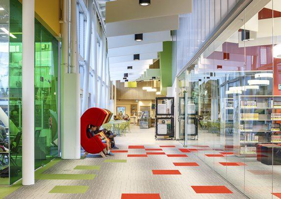 Muebles para bibliotecas social | Muebles de oficina Spacio