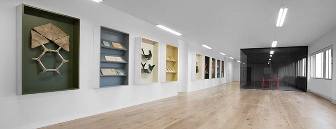 Oficina minimalista pantallas productos | Muebles de oficina Spacio