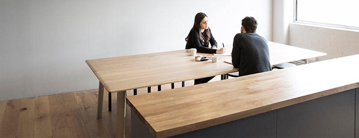 Oficina minimalista sala reunión | Muebles de oficina Spacio