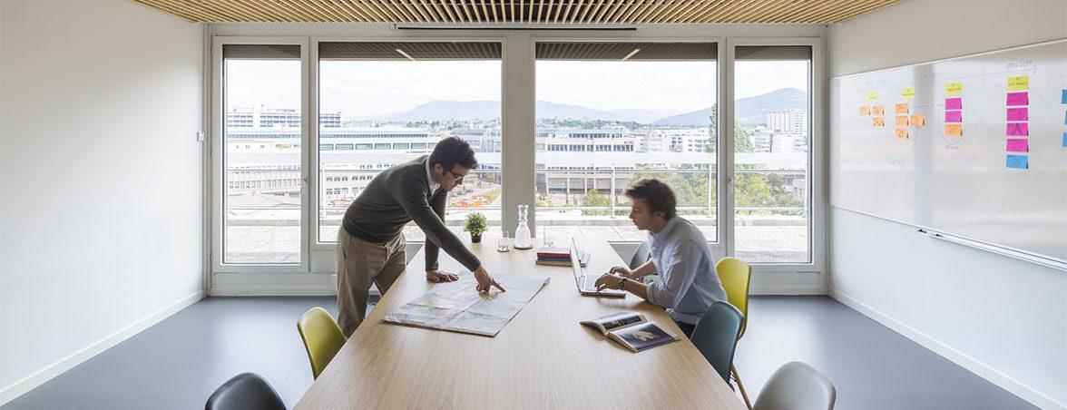 Oficina moderna FTI sala reuniones | Muebles de oficina Spacio