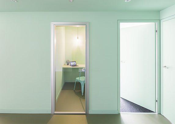 Oficina moderna FTI salas | Muebles de oficina Spacio