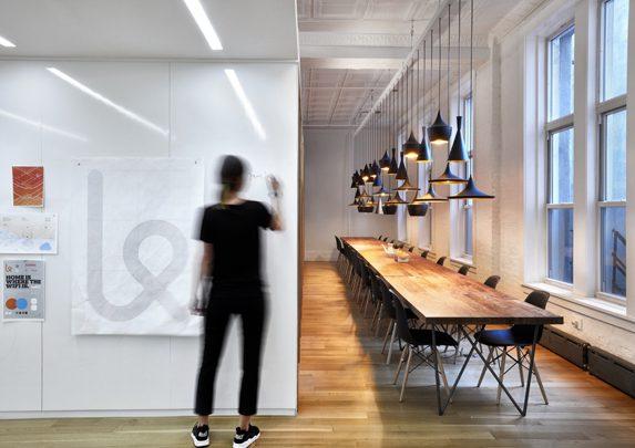 Oficinas con personalidad zona comedor | Muebles de oficina Spacio