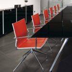 Silla apilable Ikara rojo | Muebles de oficina Spacio