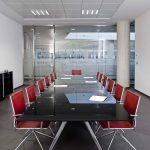 Silla apilable Ikara sala reunión | Muebles de oficina Spacio