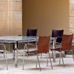 Silla apilable Ikara trasera madera | Muebles de oficina Spacio