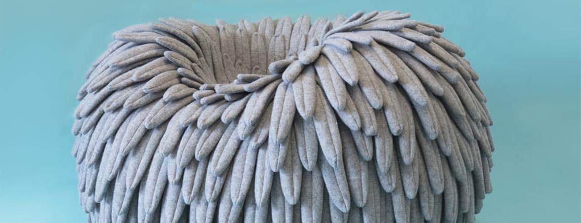 Silla nido Narl fondo azul | Muebles de oficina Spacio