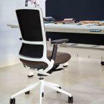 Tnk 500 con mesa Mobility | Muebles de oficina Spacio