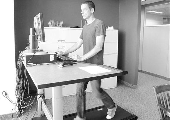 Mesas de oficina dinámicas con cinta | Muebles de oficina Spacio