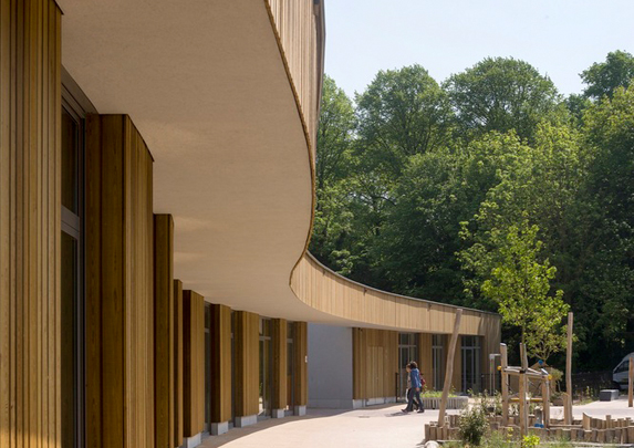 Mobiliario escolar curvas madera | Muebles de oficina Spacio