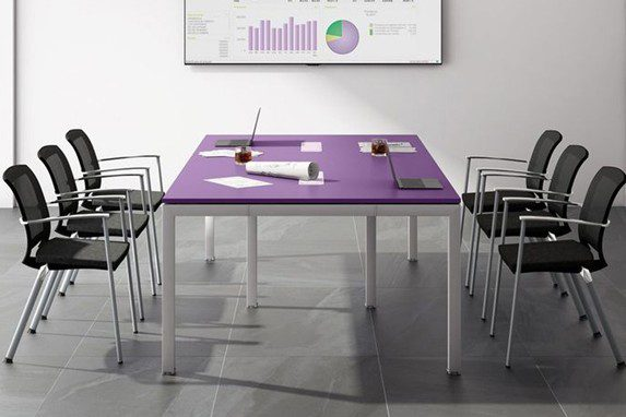 Oficina ideal morado | Muebles de oficina Spacio